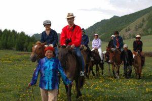 Turer med hästridning i Mongoliet